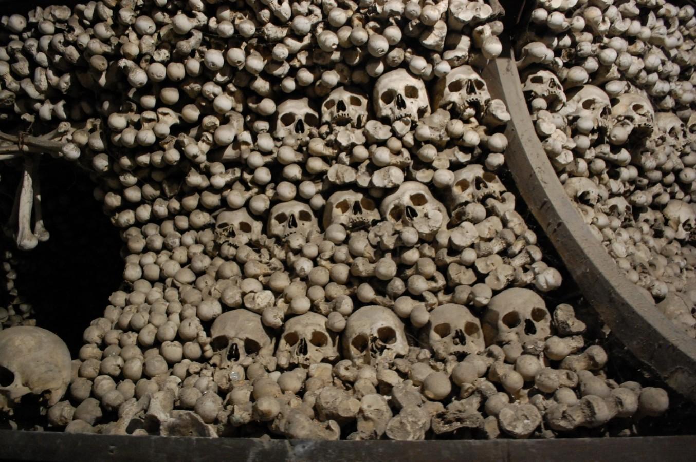 Kutna Hora - Ahol 40 ezer csontváz díszít egy templomot