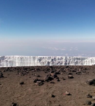 A hegy teteje, a piramis alja – Hét nap a Kilimandzsárón