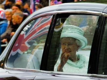 II. Erzsébet a legnagyobb király(nő) - 90 éves és hónapokig bulizik