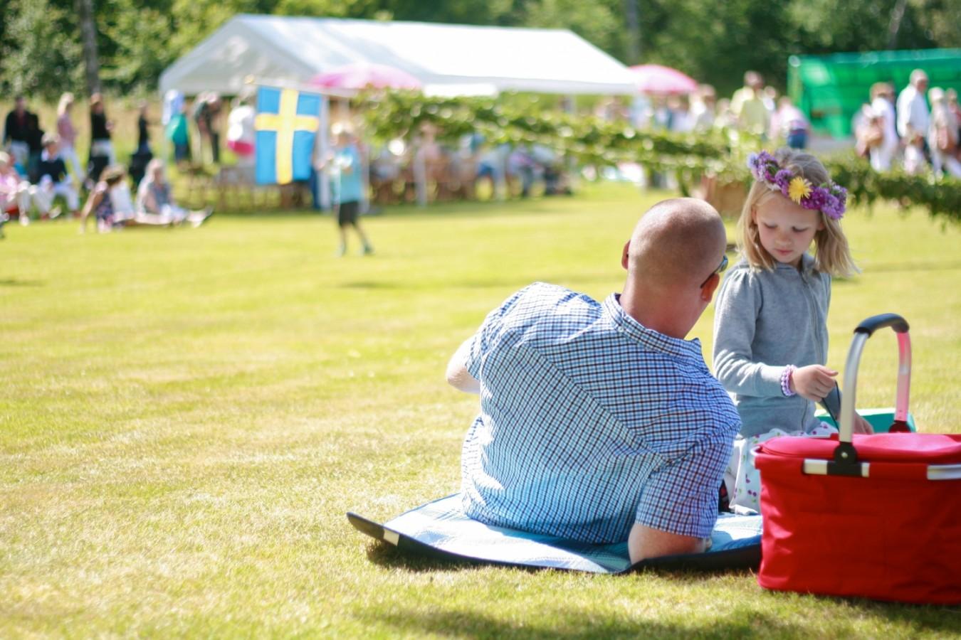 Virágkoszorú, tengerészsapka és máglya - a svéd ünnepek legfőbb kellékei