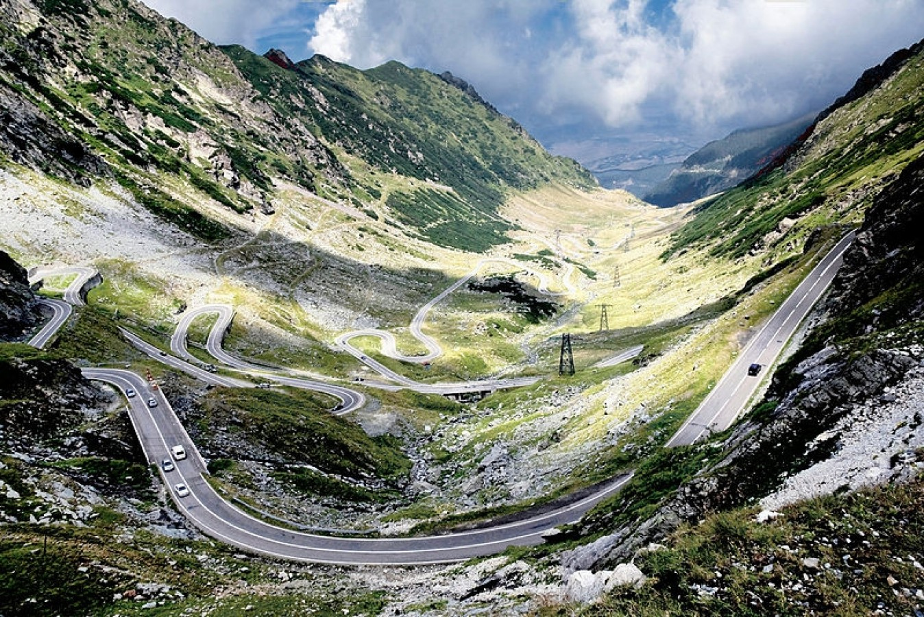 A világ legjobb autóútja Romániában van - a Transzfogarasi út