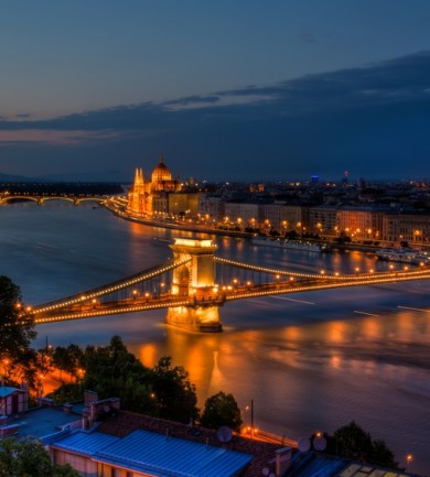 Minden Magyarországról jön