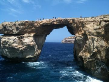Egy turistalátványossággal kevesebb - elpusztult a máltai Azúr Ablak