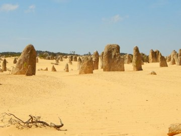 Holdbéli tájakon - A Pinnacles sivatag
