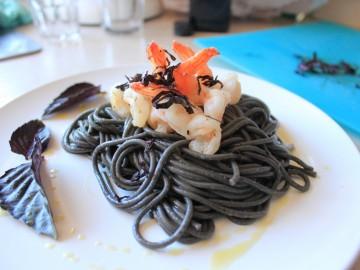Fekete tészta és kukacos sajt – A legfurcsább olasz ételek